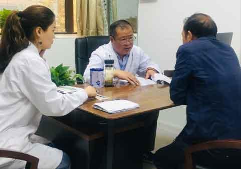 肝病患者福音:肝病专家王景林教授亲临河南省医药院肝病科会诊